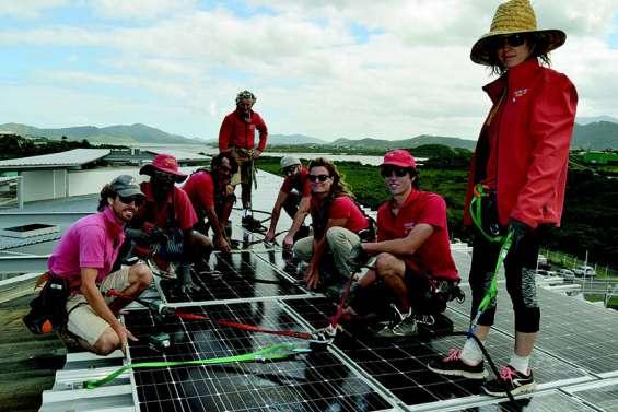 Les collèges provinciaux bientôt autonomes grâce à l'énergie solaire