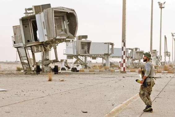 L'aéroport repris par les forces gouvernementales