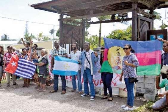 Mobilisation de l'AJKM devant le consulat indonésien et le haussariat