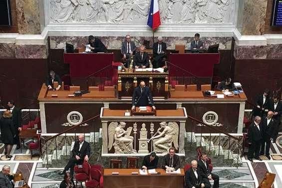 L'Assemblée unanime sur la loi organique
