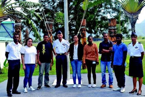 Sept jeunes Calédoniens en route pour l'Armée de l'air
