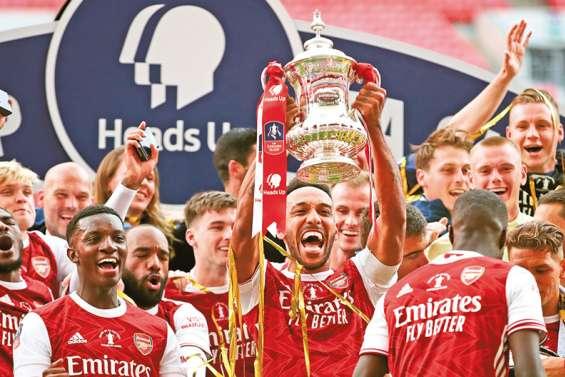 Aubameyang offre la Cup et l'Europe à Arsenal