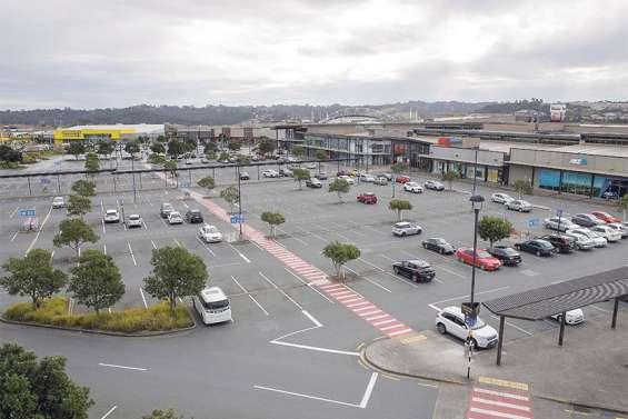 Prolonger le confinement d'Auckland, la seule solution selon Ardern
