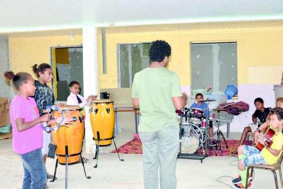 Les élèves de Baganda en phase avec la musique