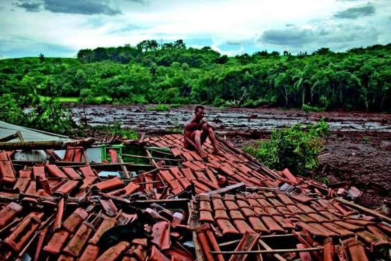 Trente-quatre morts dans la rupture d'un barrage