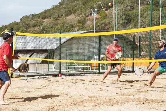 La relance du beach-tennis trouve son public