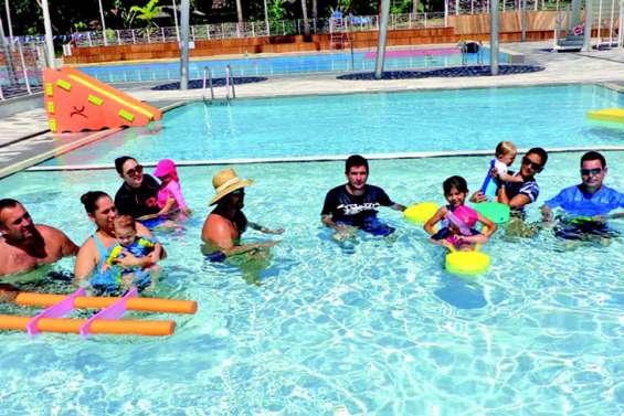 Les bébés nageurs dans le bain du Grand Bleu
