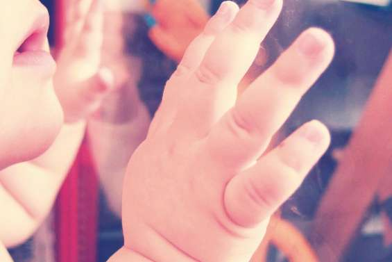 Attention aux bracelets anti-moustiques pour les enfants