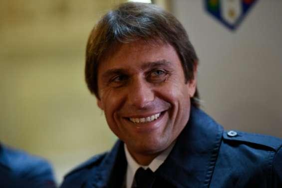 Angleterre: Antonio Conte entraîneur de Chelsea la saison prochaine