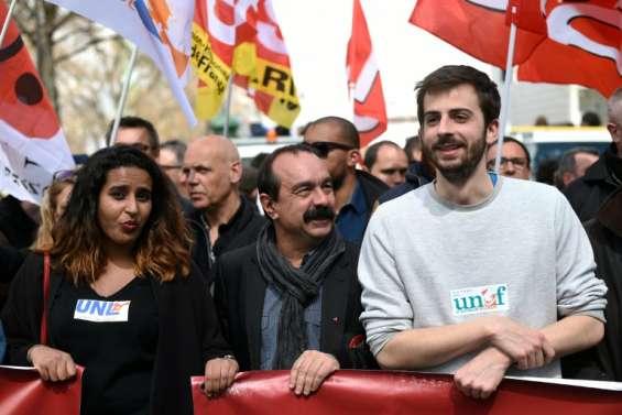 Loi travail: Valls reçoit les jeunes pour tenter de contenir la contestation