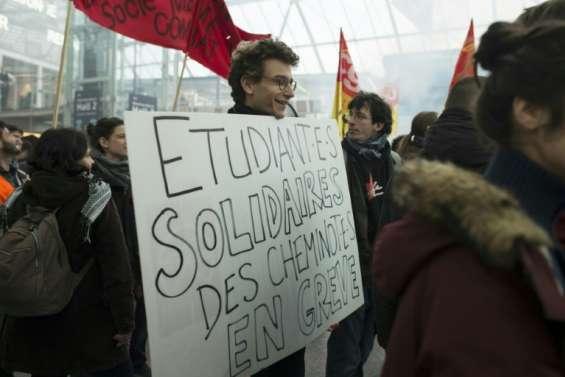Loi travail: salariés et étudiants une nouvelle fois dans la rue