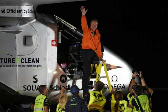 Solar Impulse: 10e étape réussie pour l'avion solaire arrivé à Phoenix