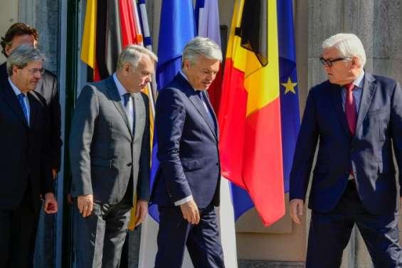 Brexit: la presse dans l'attente de décisions pour relancer l'UE