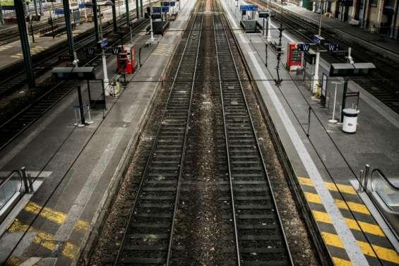 Grèves: trafic SNCF perturbé, normal à la RATP