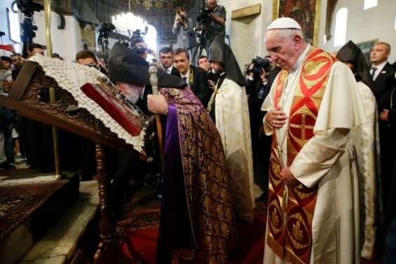 Le pape en Arménie évoque une nouvelle fois le