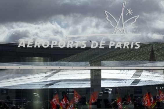 Aéroports de Paris: appel à la grève de vendredi à lundi matin