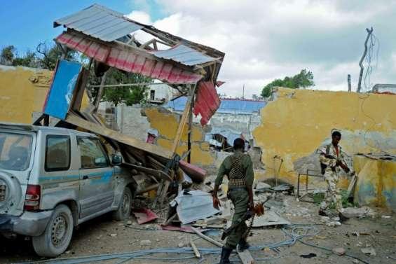 Somalie: les shebab revendiquent l'attentat à la voiture piégée contre un hôtel à Mogadiscio