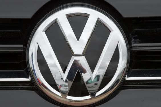 Moteurs truqués: première facture à 15 milliards pour Volkswagen aux Etats-Unis
