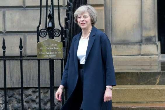 Royaume-Uni: Theresa May à Berlin et Paris cette semaine