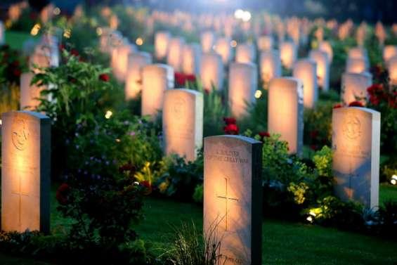 Centenaire de la bataille de la Somme: la famille royale et Cameron en France
