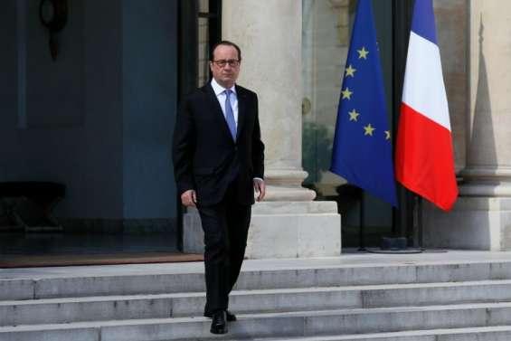 Popularité: toujours faible niveau pour Hollande, à 19%, et Valls, à 24%