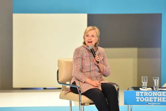 Etats-Unis: Hillary Clinton entendue samedi par le FBI au sujet de ses emails (porte-parole)