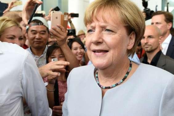 Merkel juge inacceptable le refus d'accueillir des réfugiés musulmans