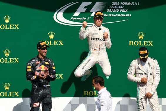 GP de Belgique: Rosberg (Mercedes) vainqueur, Hamilton 3e