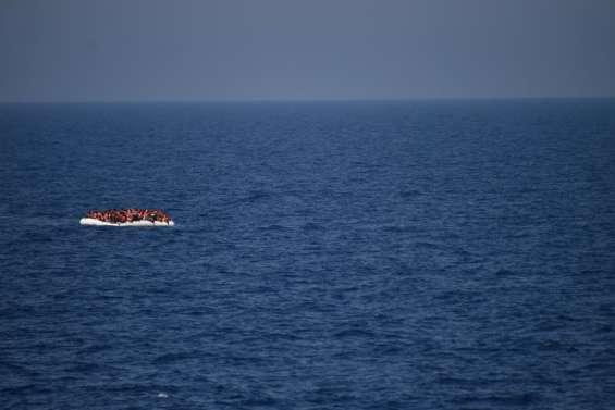 Méditerranée: au moins 30 morts dans le naufrage d'un bateau de migrants