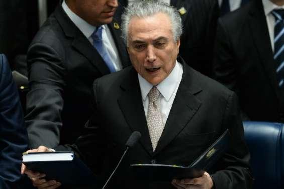 Le conservateur Temer gouvernera un Brésil en pleine tourmente