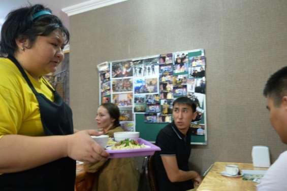 Kazakhstan: un café animé par des handicapés pour briser lesd tabous