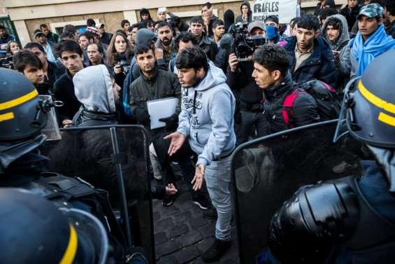 Migrants: opération de contrôle dans un campement à Paris