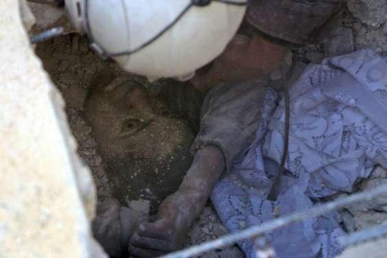Syrie: 7 morts dans de nouveaux bombardements sur Alep