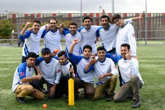 Migrants afghans, futurs joueurs de cricket français?