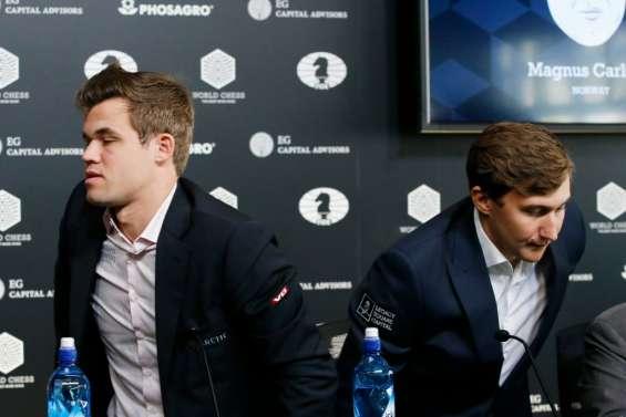 Echecs: coup d'envoi du duel Carlsen-Kariakine et première nulle
