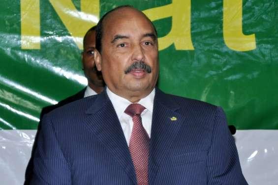 Gambie: le président mauritanien en route pour tenter d'obtenir