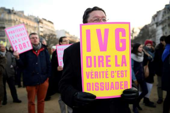 Le délit d'entrave à l'IVG sur internet adopté par le parlement