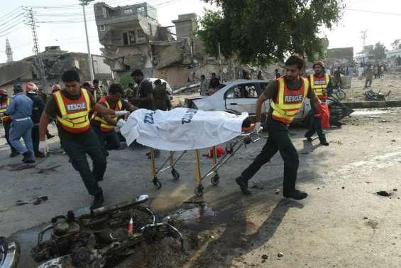Pakistan: au moins 20 morts dans une explosion sur un marché de Lahore