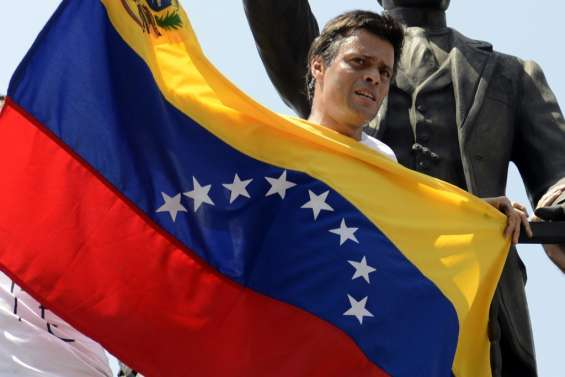 Venezuela: l'opposant Leopoldo Lopez sorti de prison, assigné à résidence