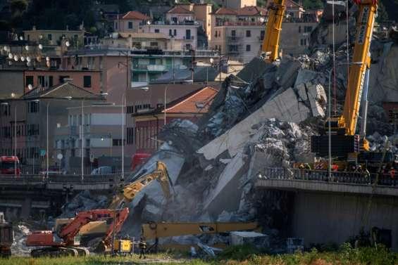 Pont effondré à Gênes: de nouveaux corps découverts