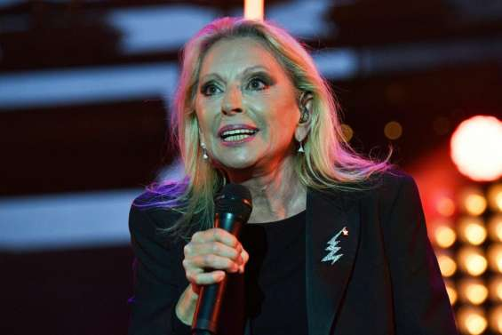 Véronique Sanson, soignée pour un cancer, annonce son retour sur scène pour avril