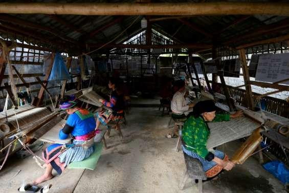 Au Vietnam, une fabrique de textile, havre pour les victimes de trafiquants