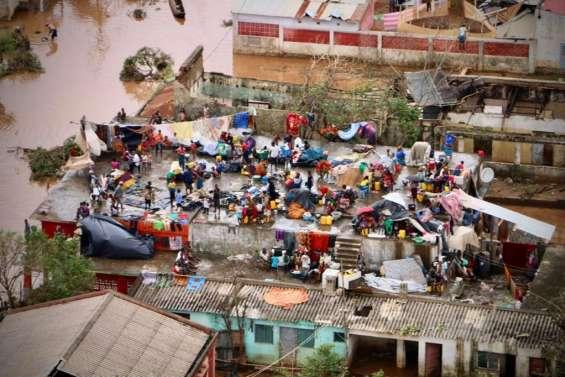 Cyclone en Afrique australe: les secours s'organisent tant bien que mal