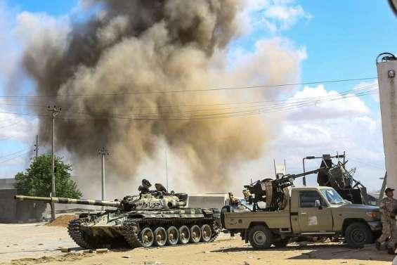 Libye: au moins 121 morts au sud de la capitale, statu quo sur le front