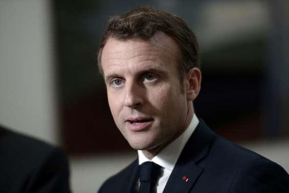 Européennes: Macron monte au front pour le sprint final