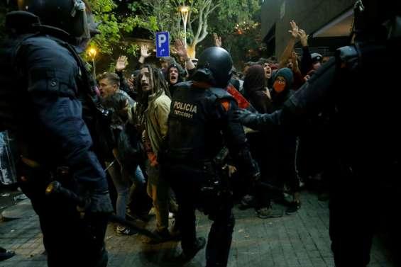 Tension en Catalogne après la condamnation des dirigeants indépendantistes