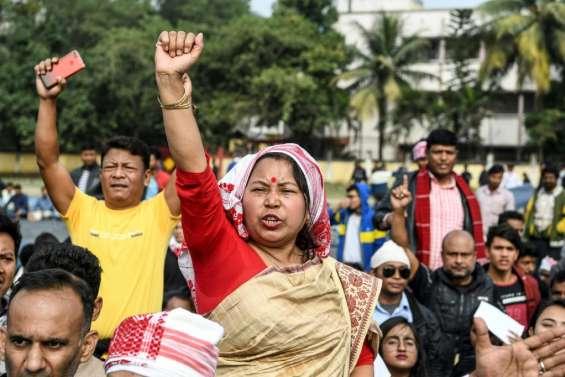 Loi sur les réfugiés: le nord-est de l'Inde sous tension avec les manifestations