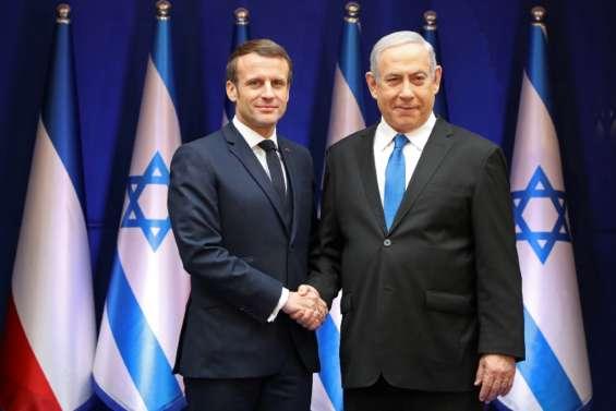 En Israël, Macron défend son