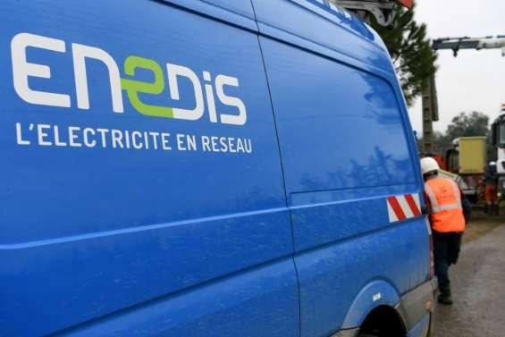 Retraites: deux agents d'Enedis en garde à vue en Dordogne après une coupure sauvage