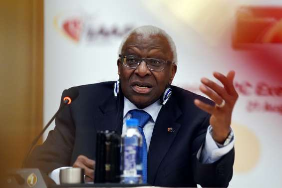 Dopage et corruption: le clan Diack jugé à Paris